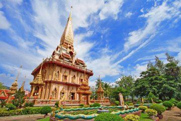 Пхукет најголемиот и најпопуларниот остров во Тајланд.
