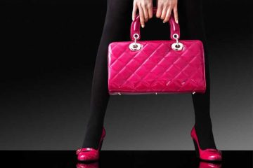 Основни работи што треба да ги има секоја девојка во својата чанта.