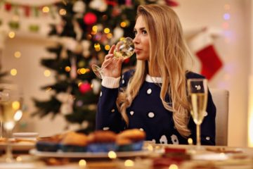 Еве зошто жените се секогаш толку нервозни во врска со Божиќ и ручекот.