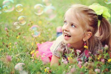 ВИДЕО: Ќеркаму сакаше волшебно дрво, таткое и направи нешто божествено!