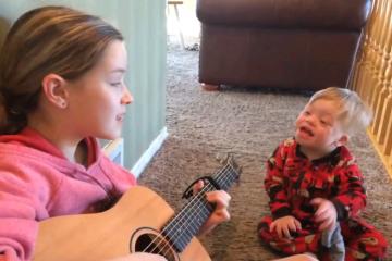 ВИДЕО: Дете со даунов синдром зборува благодарение на музиката