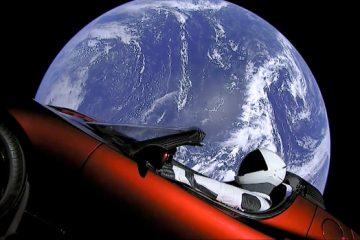Тесла автомобилот што е пратен во космосот најверојатно ќе падне на земјата.