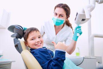 Немојте да ги лажете децата дека поправање заби боли! -Еве зошто.