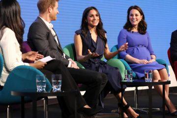 Принцот Хари со неговата сопруга Кејт,неговиот брат Хари со вереницата Меган,заедно на форум во Лондон.