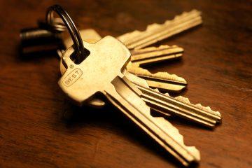 Вашите клучеви не треба да ги оставате на непознати луѓе.