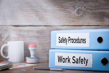 АрцелорМиттал: Обука за безбедност и здравје при работа.