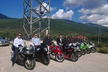 Македонија,Ресен: Вака моторџии одат по кум и невеста  АТРАКЦИЈА (ВИДЕО)