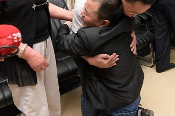 ТРОГАТЕЛНА СРЕДБА: Татко го пронашол својот син кој го загубил пред 24 години додека одел на работа (ФОТО)