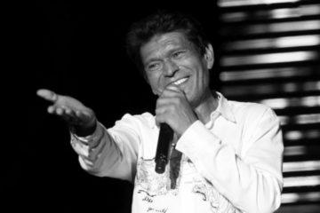 Почина легендарниот пејач на народна музика: Синан Сакич на 61 година