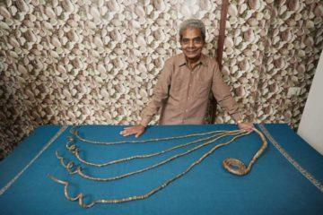 После 66 години се решил да ги скрати своите нокти