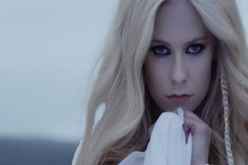 Се врати познатата Аврил Лавињ, слушнете го нејзиниот прв сингл и емотивен спот.