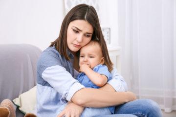 Зошто не треба да го игнорирате плачот на бебето?