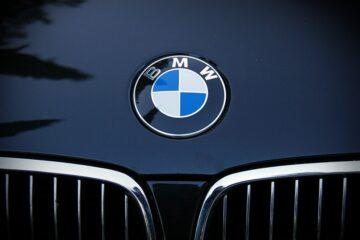 """BMW го """"отфрла"""" автоматскиот менувач со двојна спојка"""